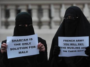 Protestors in London, 12 Jan. (AFP)